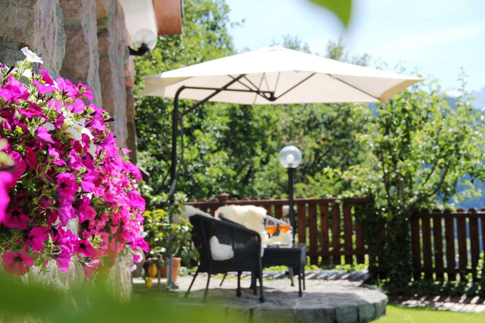 Luxury Chalet South Tyrol Garden Lounge Aperitivo