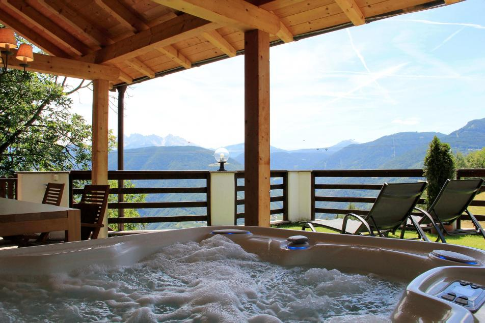 Dolomites Chalet Rental Spa Wellness Suite with Jacuzzi Alpine Cabin Style
