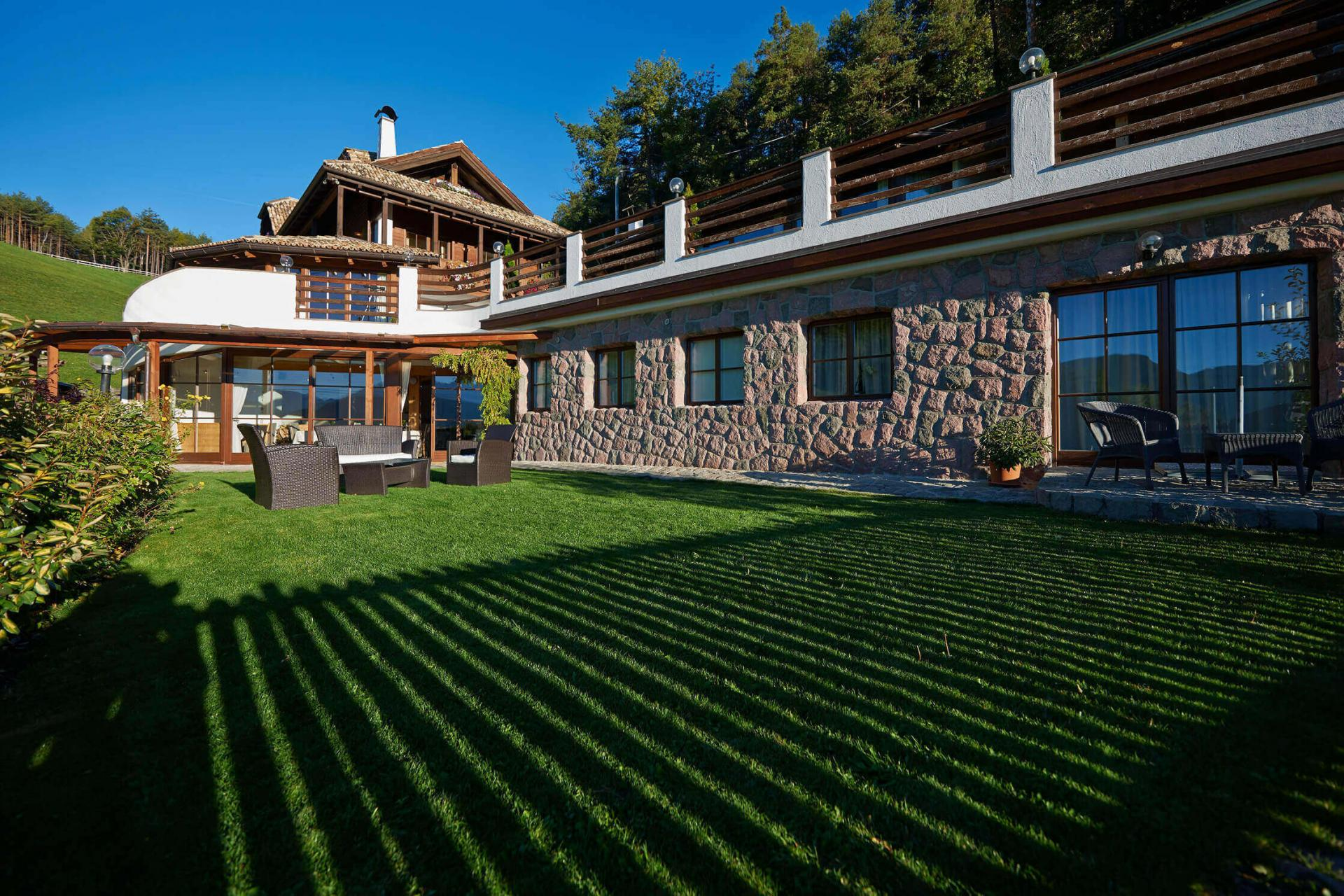 Chalet South Tyrol Book the alpine House with Garden