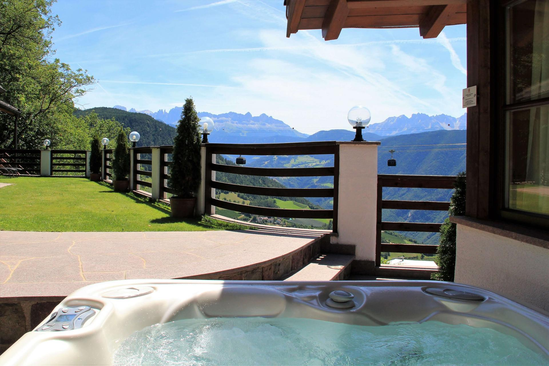 Italian Holiday Home Chalet Alps Suites with Whirlpool in South Tyrol