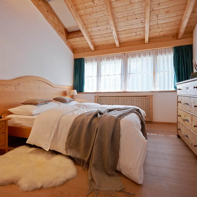 Chalet Booking Luxury Holiday Home with cozy Suites in a warm atmosphere