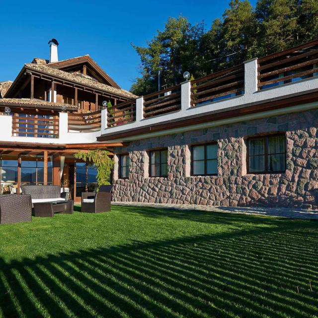 Private Chalet to Rent in South Tyrol Quiete Location with alpine Architecture