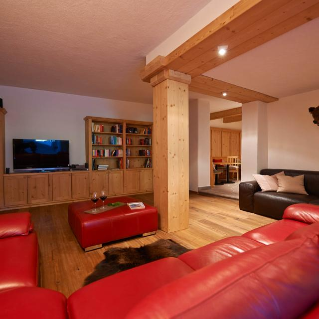 Alpine Dream Home Photo Gallery of the relaxing Living Room